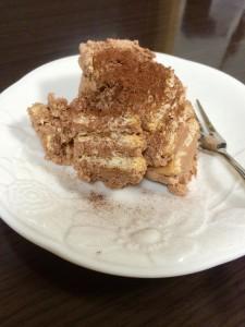 お菓子問屋が作ってみた。美味しかったおすすめレシピ「ビスケットで作る簡単スコップケーキ」